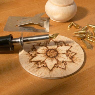 Пирограф со сменными насадками – «перьями»